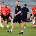 Luois Van Gaal Akui Manchester Kekurangan Defender